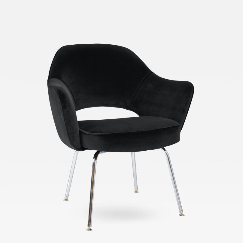 Eero Saarinen Saarinen Executive Armchair in Black Velvet