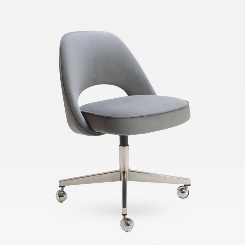 Eero Saarinen Saarinen for Knoll Executive Armless Chair in Gray Moleskin Swivel Base