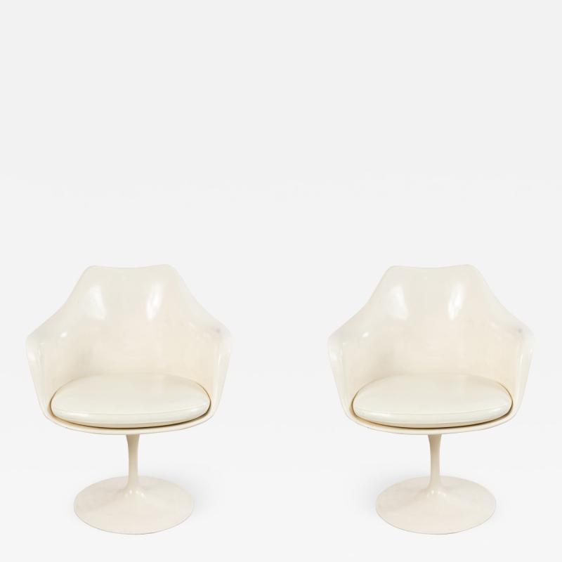 Eero Saarinen Set of 4 4 Mid Century White Tulip Arm Chairs