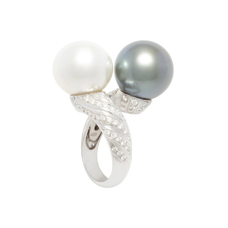 Ella Gafter Ella Gafter Twin Pearl Diamond Crossover Cocktail Ring