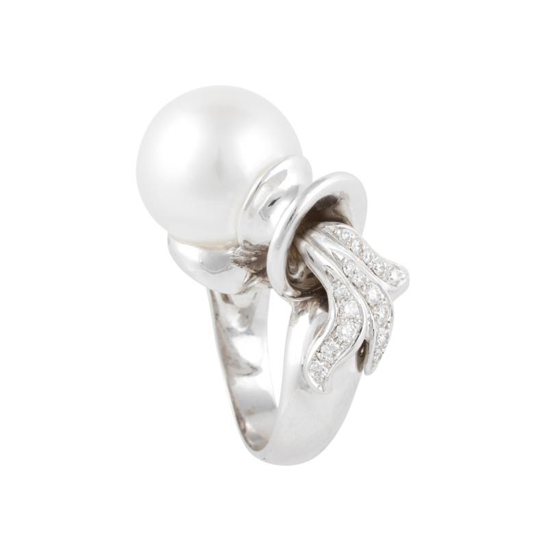 Ella Gafter Ella Gafter Zodiac Aquarius Ring with South Sea Pearl and Diamonds