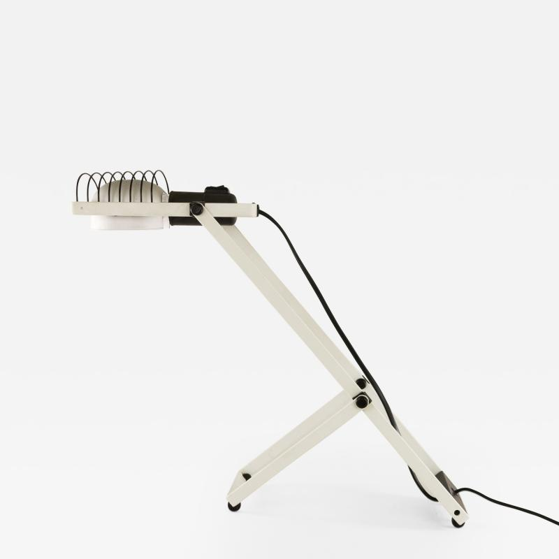 Ernesto Gismondi White and Black Sintesi table lamp by Ernesto Gismondi for Artemide 1970s