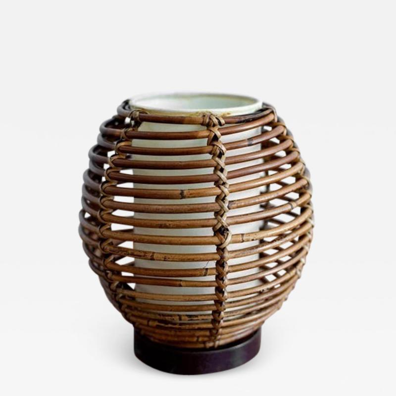 FRENCH RATTAN TABLE LAMP