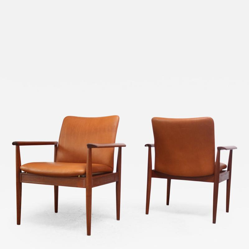Finn Juhl Pair of Finn Juhl Diplomat Armchairs for France Son in Leather and Teak