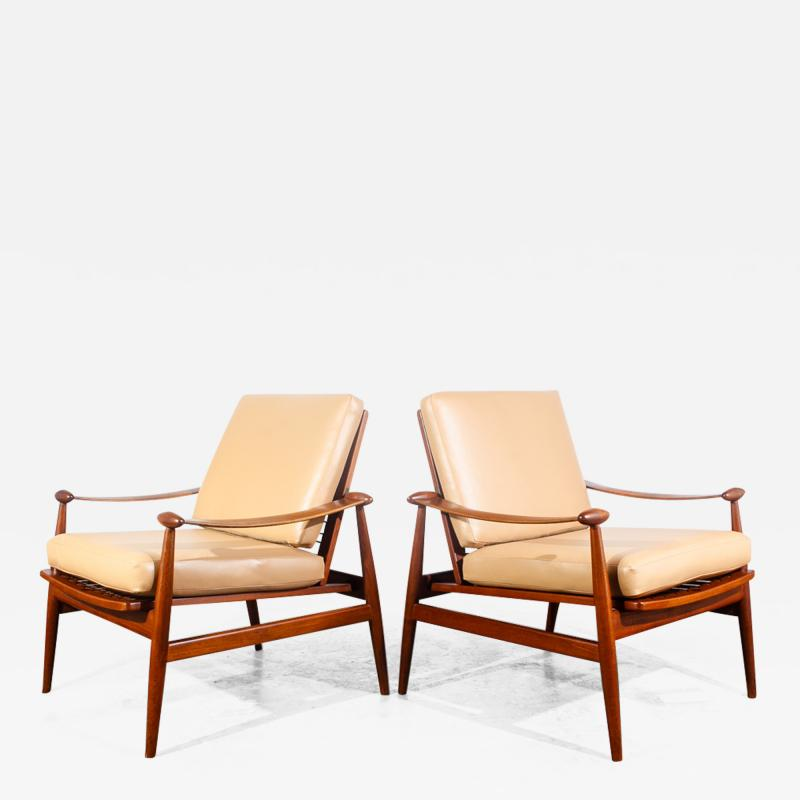 Finn Juhl Pair of Finn Juhl Spade Chairs