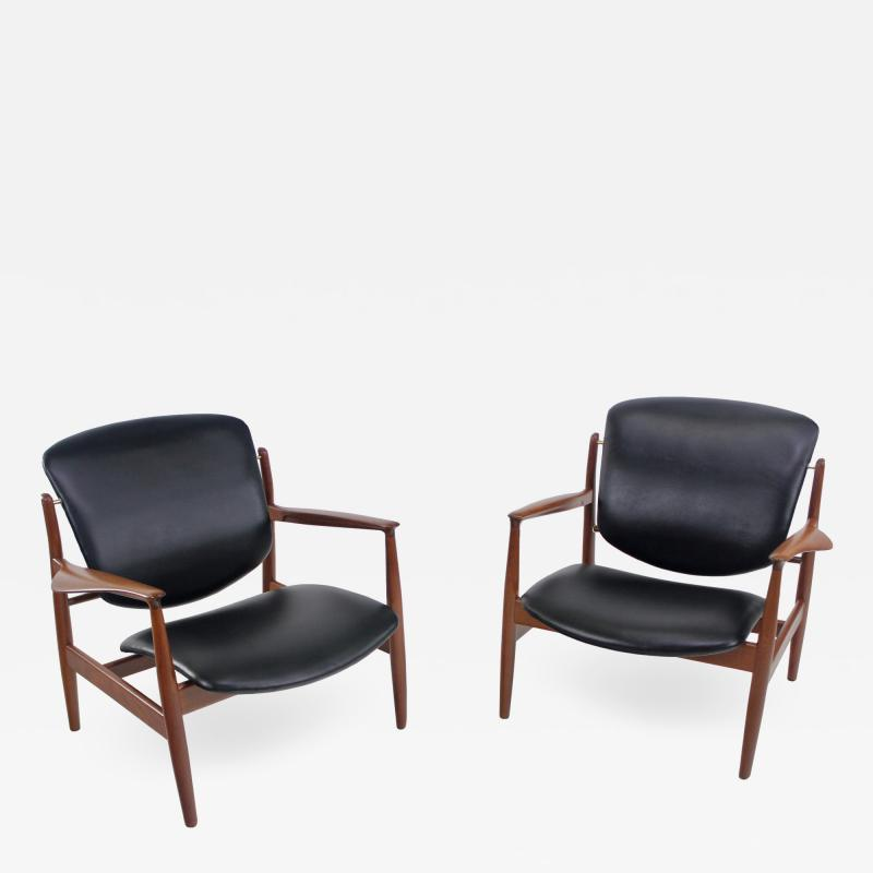 Finn Juhl Pair of Illusive Scandinavian Modern Armchairs Designed by Finn Juhl
