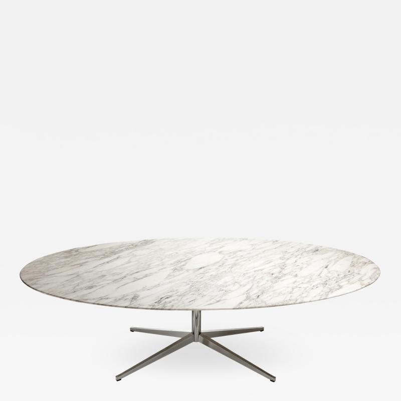 Florence Knoll Large ovale dining table in Callacatta marble by Florence Knoll circa 1965