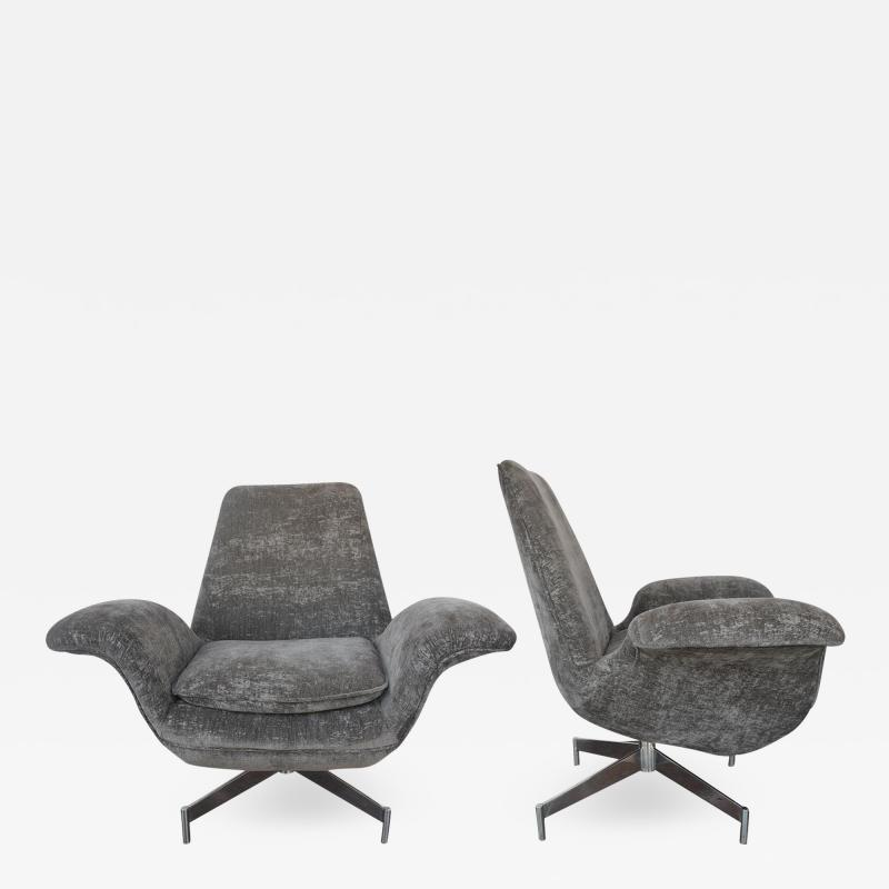 Fritz Hansen Pair of Danish Chairs By Fritz Hanzen 1960s