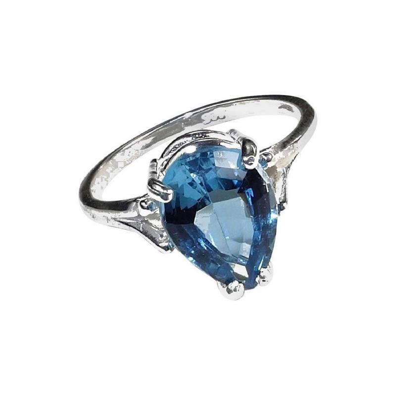 Gemjunky Pear Shape Blue Topaz in Sterling Silver Ring