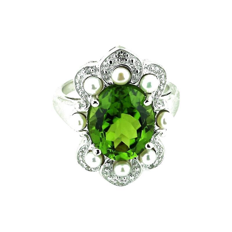 Gemjunky Romantic Peridot in Sterling Silver Ring