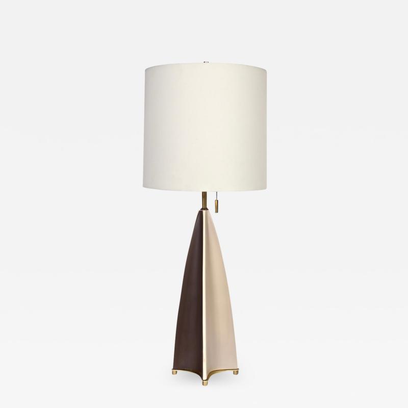 Gerald Thurston Substantial Gerald Thurston Lightolier Porcelain Fin Table Lamp 1950s