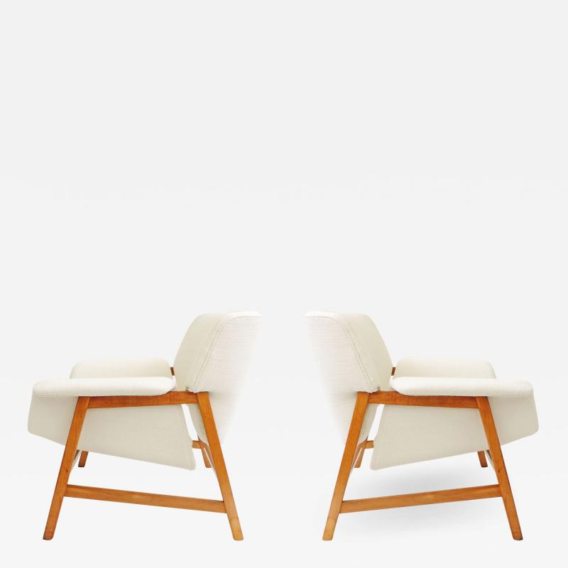Gianfranco Frattini Gianfranco Frattini Pair of Armchairs for Cassina Italy 1960