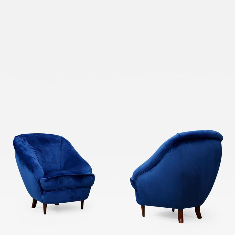 Gio Ponti Gio Ponti Pair of MidCentury armchairs in blue velvet 1930s