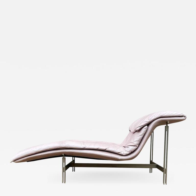Giovanni Offredi Mid Century Italian Modern Saporiti Chaise Lounge Chair in Blush Pink Leather