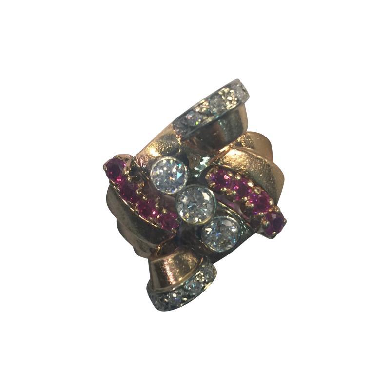 Glamorous 1940s Retro 14 Karat Diamond and Ruby Ring