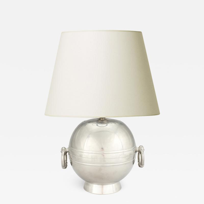 Goldsmedjarnas Aktiebolag Art Deco table lamp with hanging rings in pewter by GAB