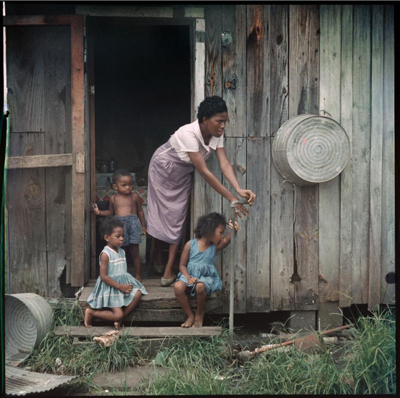Gordon Parks Mother and Children Mobile Alabama 37 010