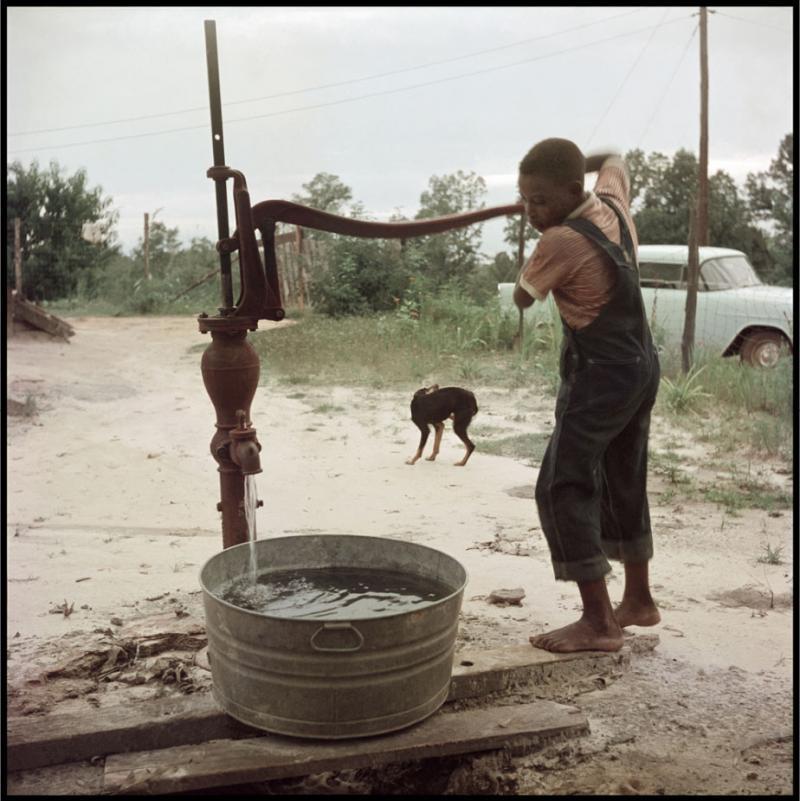 Gordon Parks Untitled Shady Grove Alabama Pumping Water 37 043 1956