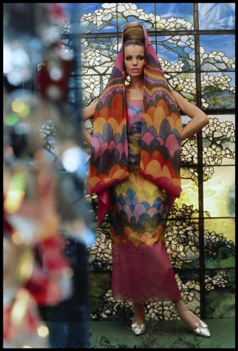 Gordon Parks Veruschka Models Dress by Pauline Trig re for Vogue 55 029 1965