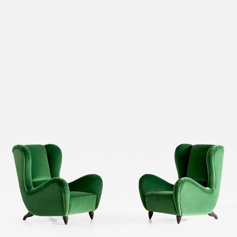 Guglielmo Ulrich Exceptional Pair of Guglielmo Ulrich Attributed Wingback Chairs 1940s