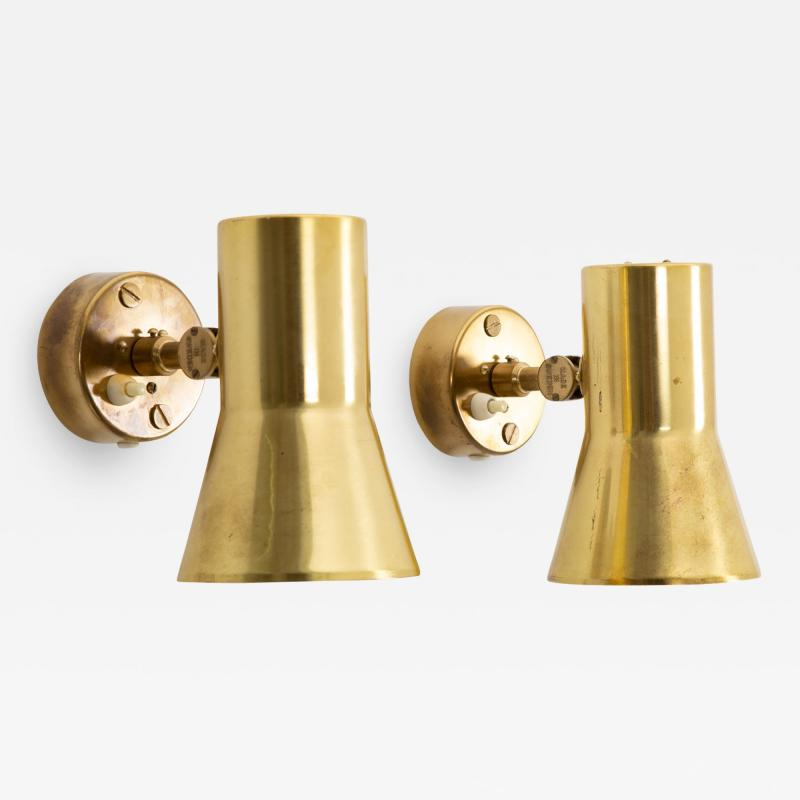 Hans Agne Jakobsson Pair of Swedish Brass Wall Lamps Model V 239 by Hans Agne Jakobsson