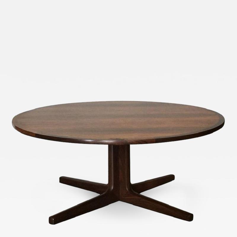 Hans Andersen Impeccable Hans C Andersen Danish Rosewood Round Coffee Table