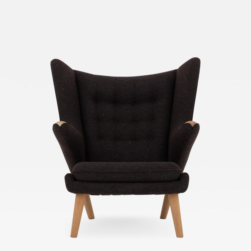 Hans Wegner AP 19 Papa Bear chair in brown wool