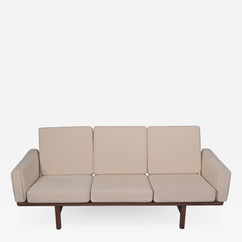 Hans Wegner Hans Wegner Sofa GE 236 3 solid teak