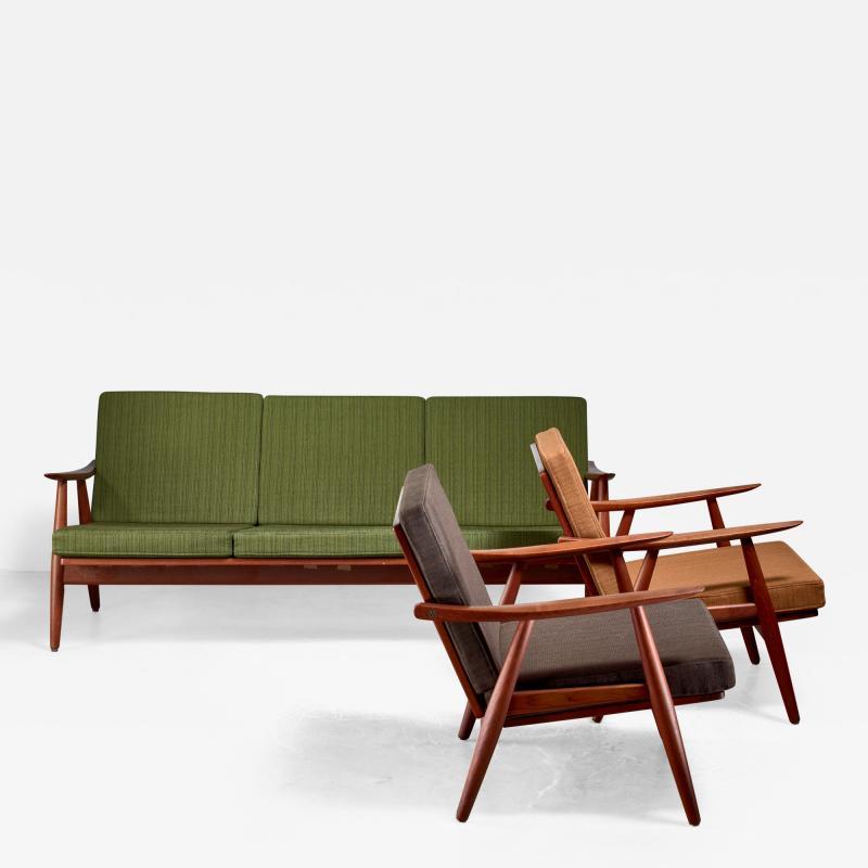 Hans Wegner Hans Wegner lounge set with pristine original upholstery Denmark