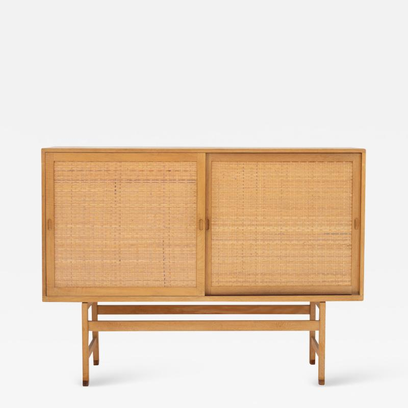 Hans Wegner Tall sideboard in oak