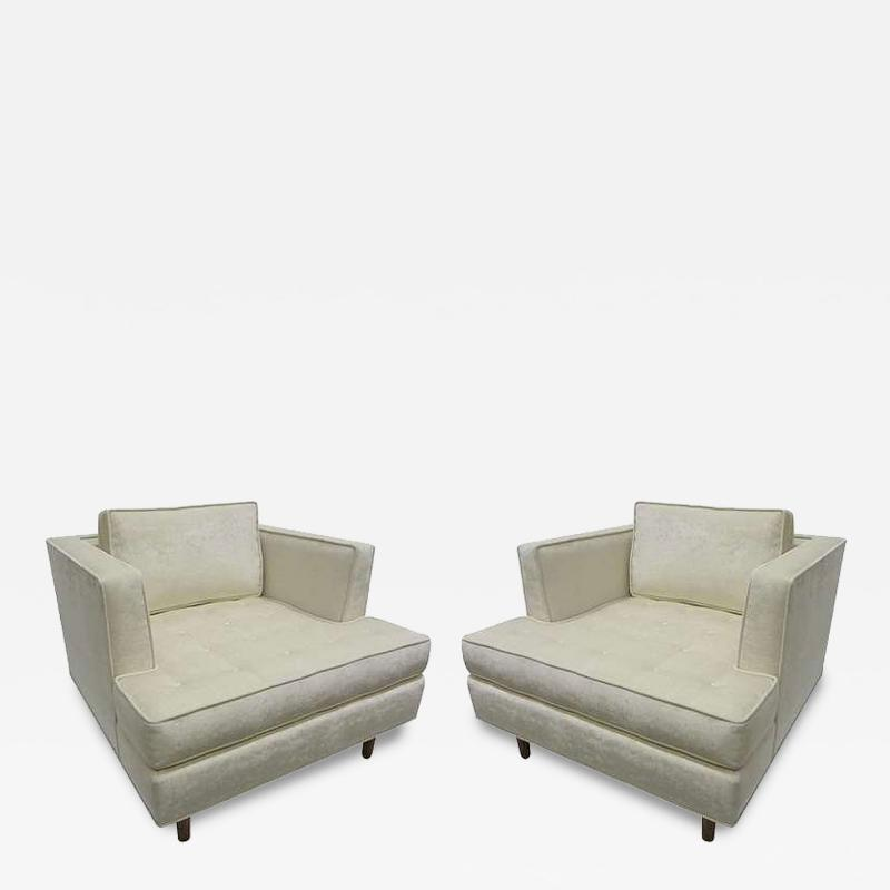 Harvey Probber Pair of Club Chairs with Tufted Seat after Harvey Probber