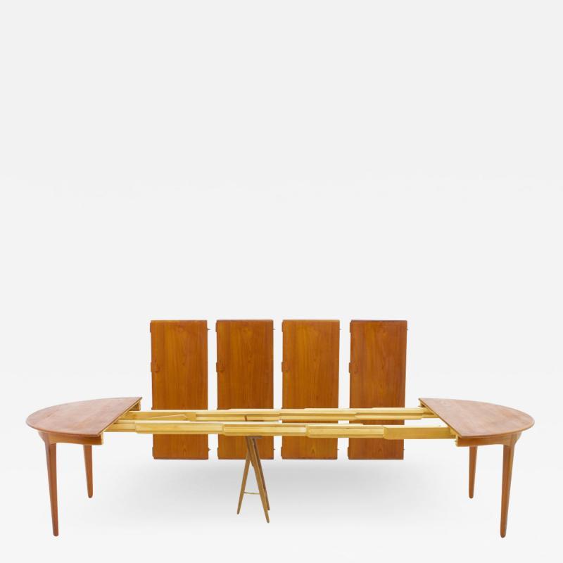 Henning Kjaernulf Henning Kjaernulf Dining Table in Teak Model 62 Sor Stolefabrik in Denmark 1958