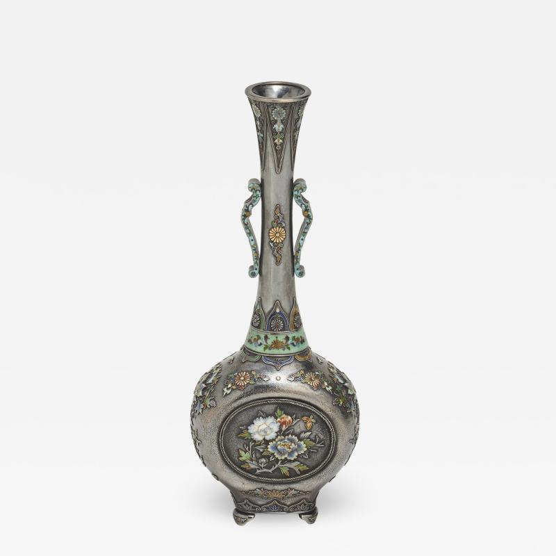Hirokatsu Mohei A wonderful Japanese slender form silver vase