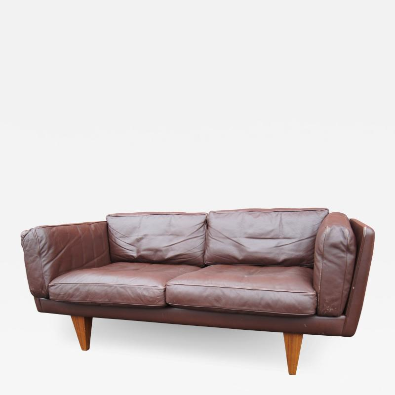 Illum Wikkels Brown Leather V11 Settee by Illum Wikkels for Holger Christiansen