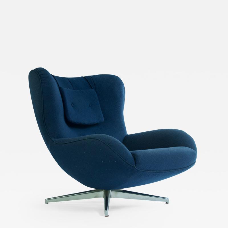 Illum Wikkels Swivel Lounge Chair by Illum Wikkels