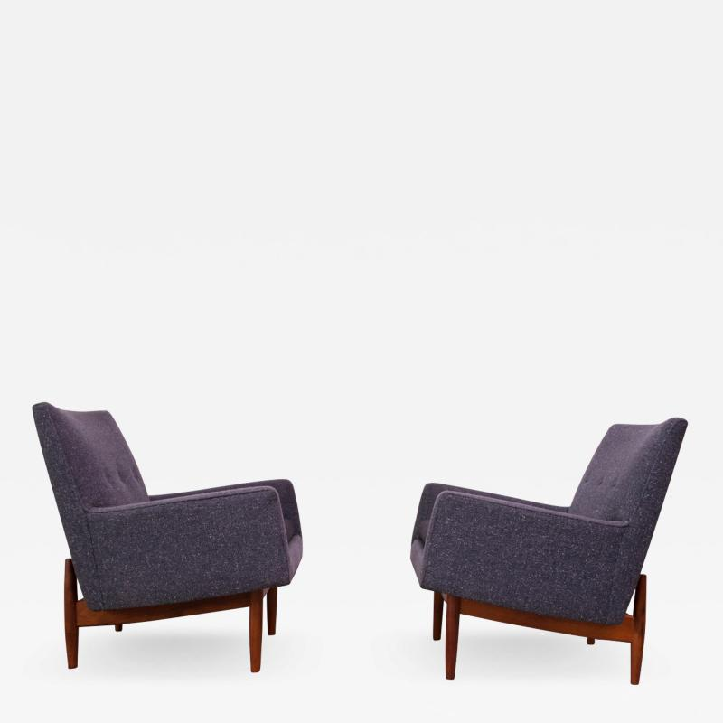 Jens Risom Pair of 1950s Floating Walnut Lounge Chairs by Jens Risom