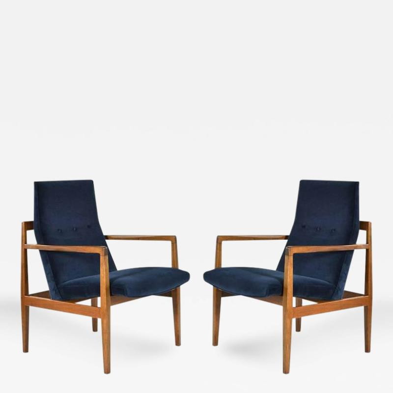 Jens Risom Pair Of Floating Jens Risom Lounge Chairs In