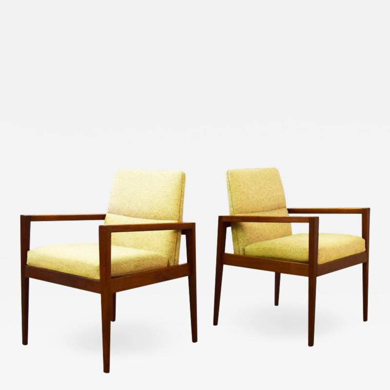 Jens Risom Pair of Mid Century Lounge Armchairs by Jens Risom