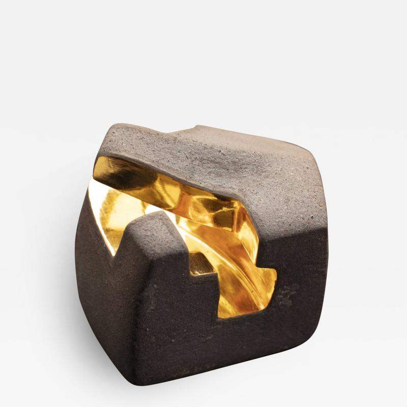 Jorge Y zpik UNTITLED CERAMIC AND GOLD sculpture 1