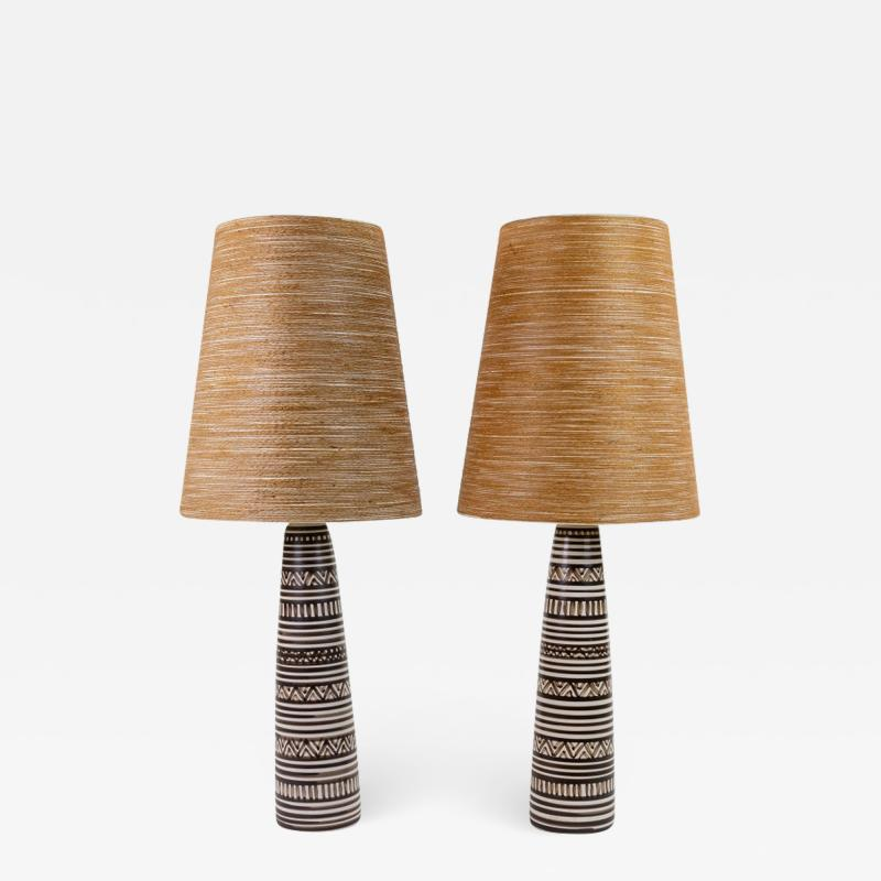 Lotte Gunnar Bostlund Pair of Lotte and Gunnar Bostlund Pottery Lamps