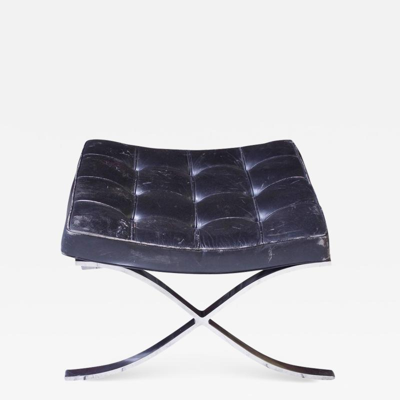 Ludwig Mies Van Der Rohe First Knoll Edition Vintage Barcelona Stool in Black Leather and Steel 1953