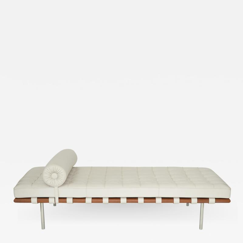 Ludwig Mies Van Der Rohe Knoll Barcelona Couch Daybed or Sofa in white Sabrina leather c 1997
