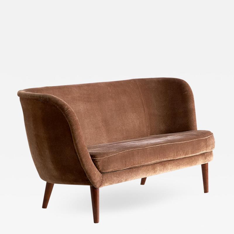 Maija Liisa Komulainen Maija Liisa Komulainen Asymmetrical Sofa in Velvet and Beech Finland 1950s