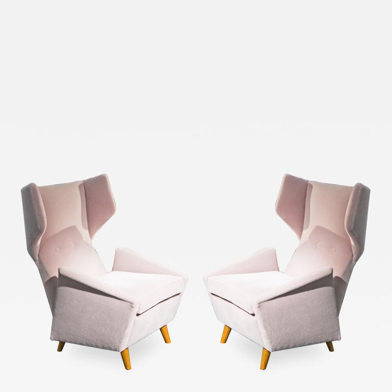 Melchiorre Bega Pair of armchairs in light pink velvet by Melchiorre Bega circa 1950