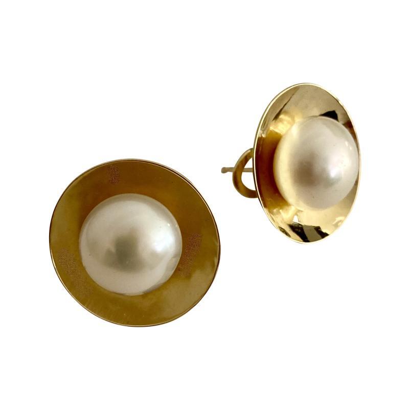 Michael Kneebone Michael Kneebone Button Pearl 18K Yellow Gold Earrings