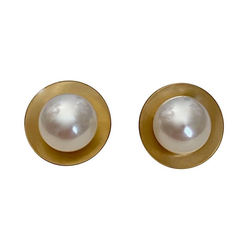 Michael Kneebone Michael Kneebone Button Pearl 18k Yellow Gold Button Earrings