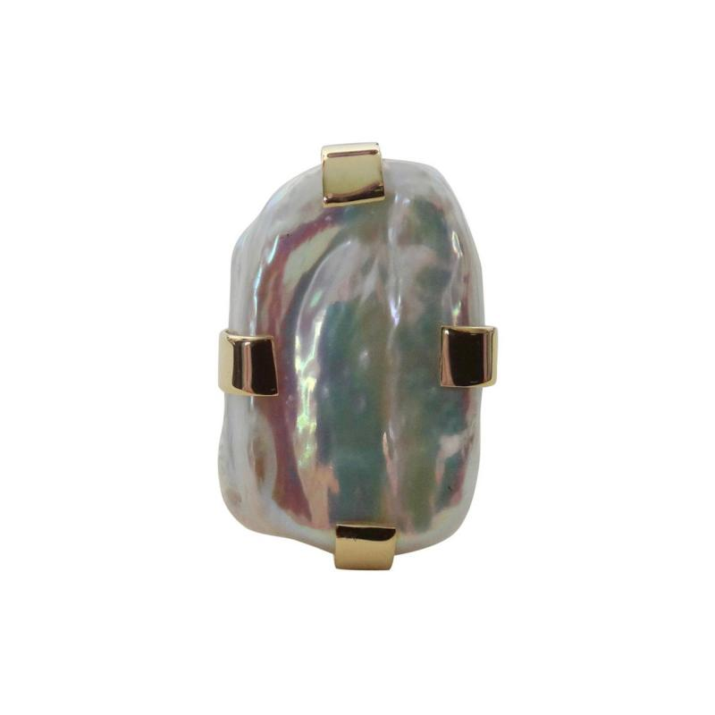 Michael Kneebone Michael Kneebone Tile Pearl 18 Karat Gold Cocktail Ring
