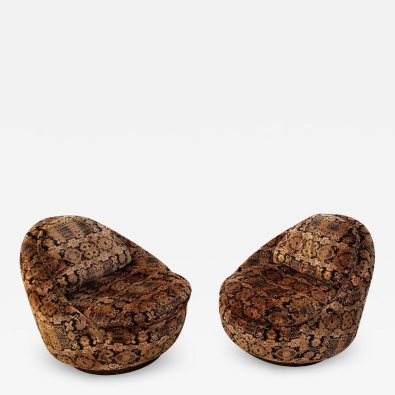 Milo Baughman Pair of Milo Baughman for Thayer Coggin Swivel Lounge Chairs
