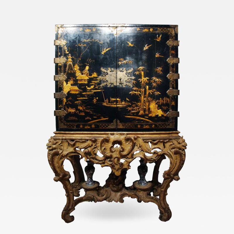 Mobile secretary in black lacquer painted in chinoiserie France 1700