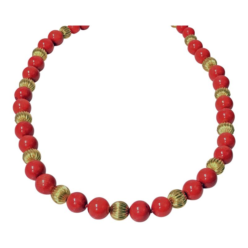 Natural Red Coral and Gold Necklace 20th Century